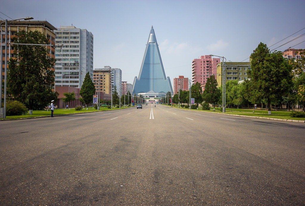 Read more about the article The Ryugyong Hotel